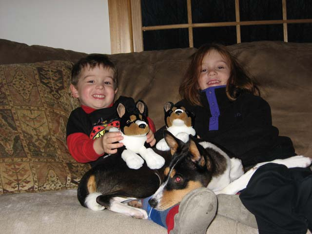 attachment_t_963_3_nala-kids-and-pups.jpg